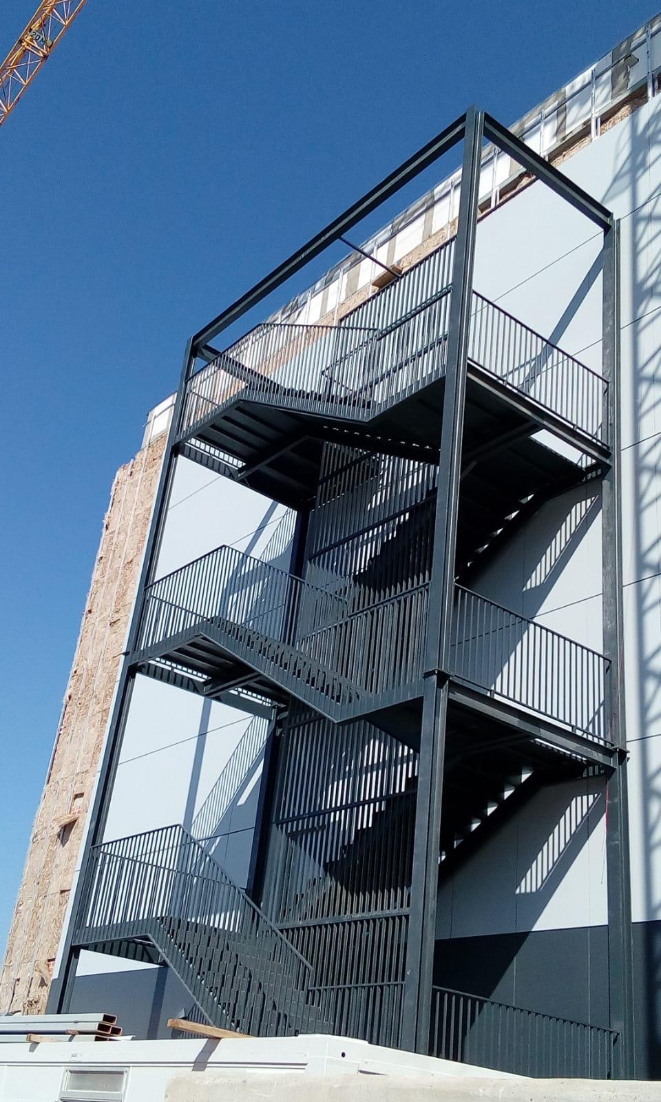 diseño, fabricacion y montaje de todo tipo de estructuras metalicas